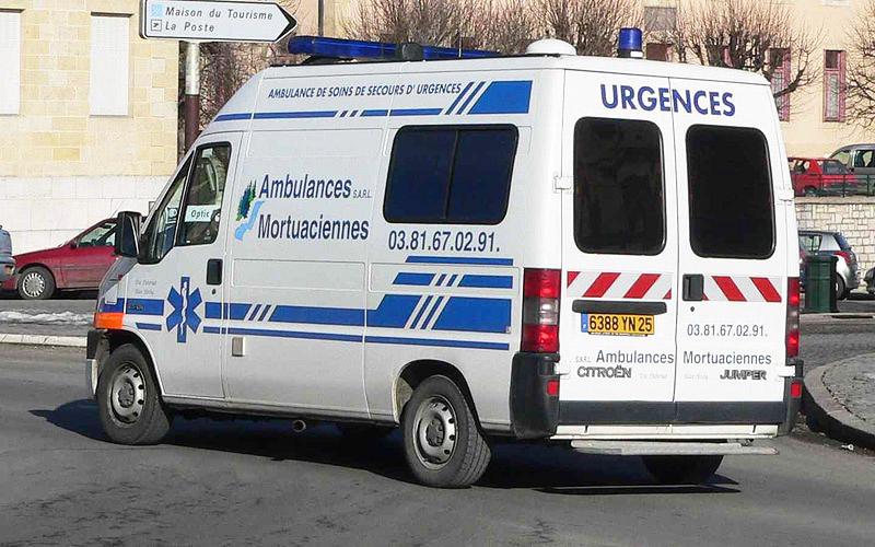 Ambulance-p1030619_2950