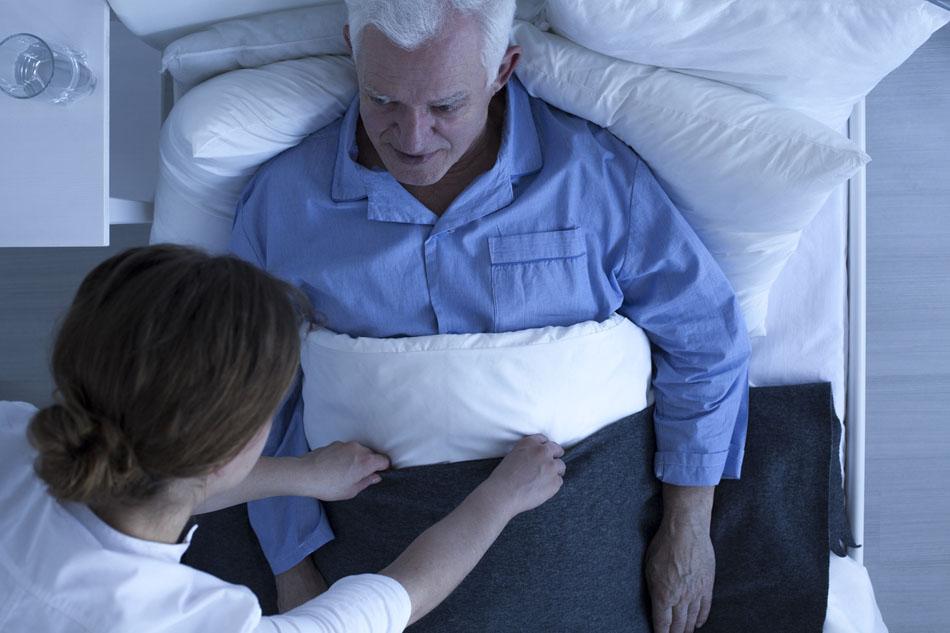 Nuit en maison de retraite médicalisée