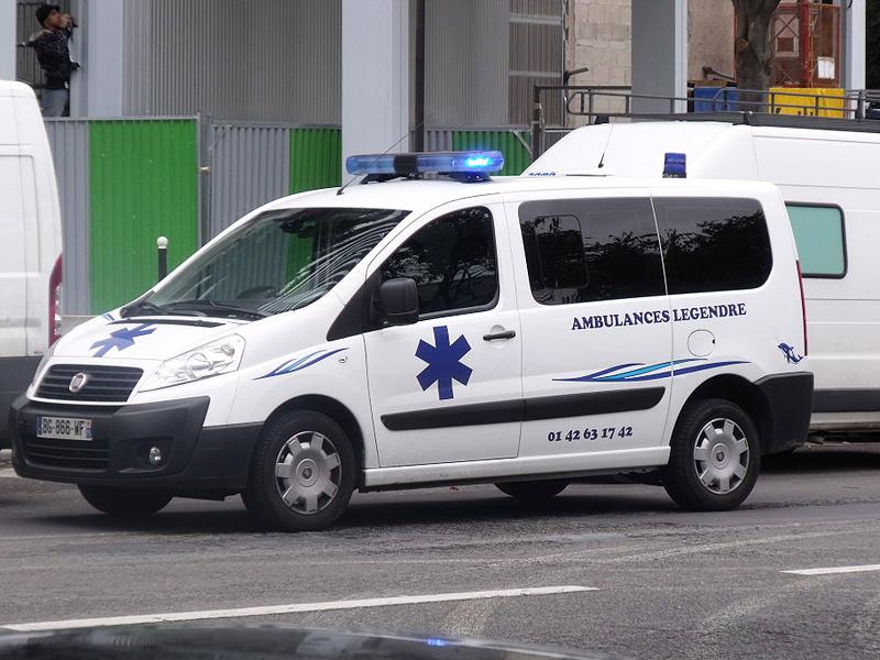 Ambulance-Fiat-a-Paris_104